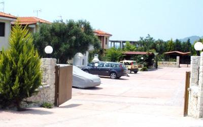 Detached House in the fishing village Nea Skioni