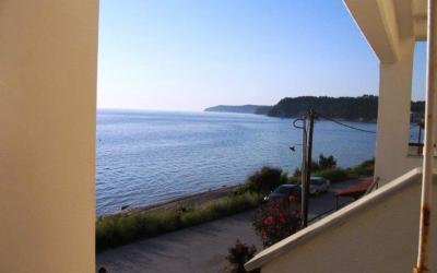Maisonette with sea-view in Siviri