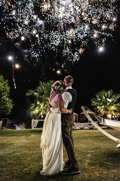halkidiki greece kassandra wedding photo tini roger nea skioni event fireworksl 400x600